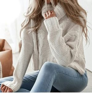 Sweaters - Cream Cable Knit Cropped Sweater NWOT Sz. Os